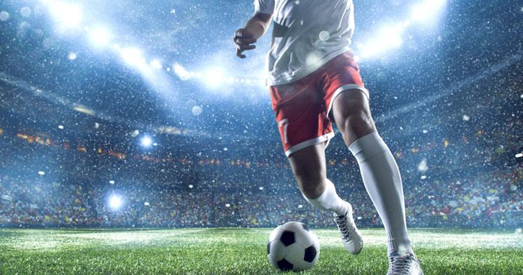 DAZN(ダゾーン)とスカパーのサッカーを徹底比較